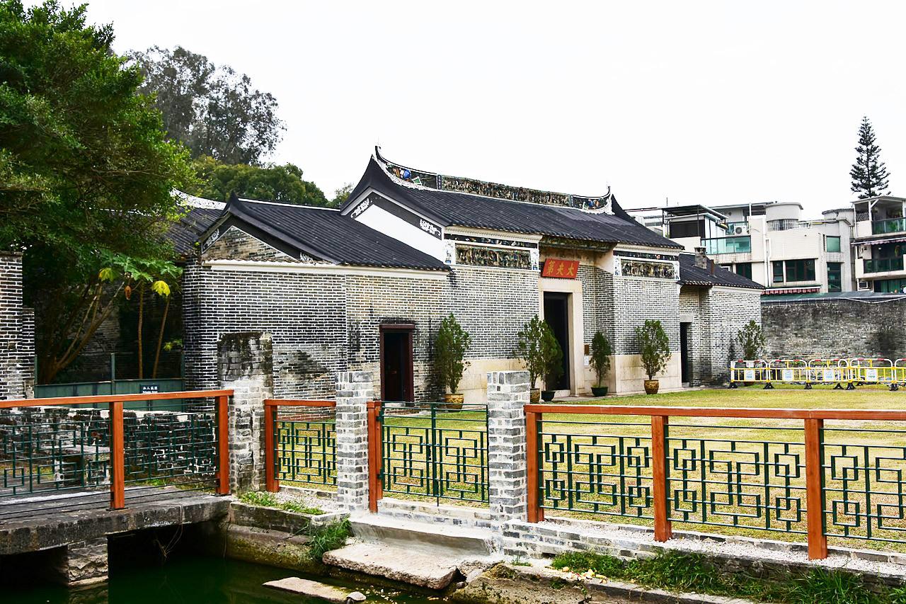 Tai_Fu_Tai_Mansion NewTerritories,HK.jpg
