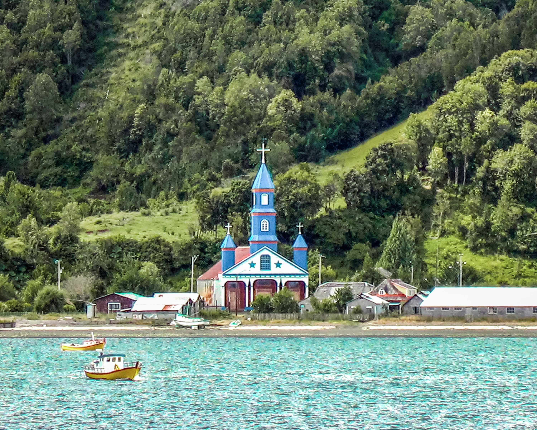 Iglesia_de_Tenaún,_Isla_Grande_de_Chil