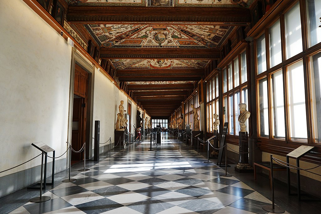 1024px-Uffizi_Gallery,_Firenze.jpg