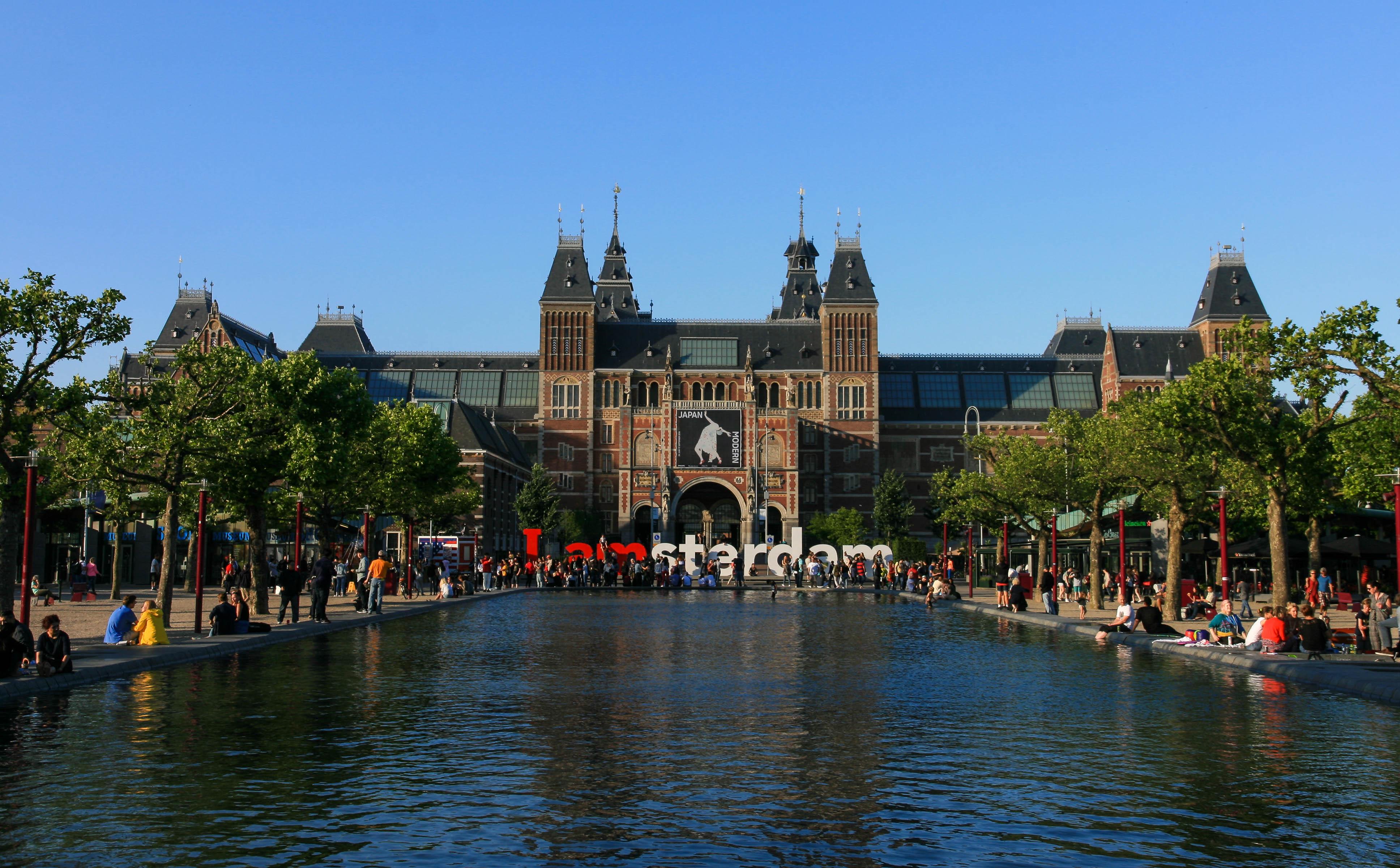 Rijksmuseum_in_Amsterdam.jpg