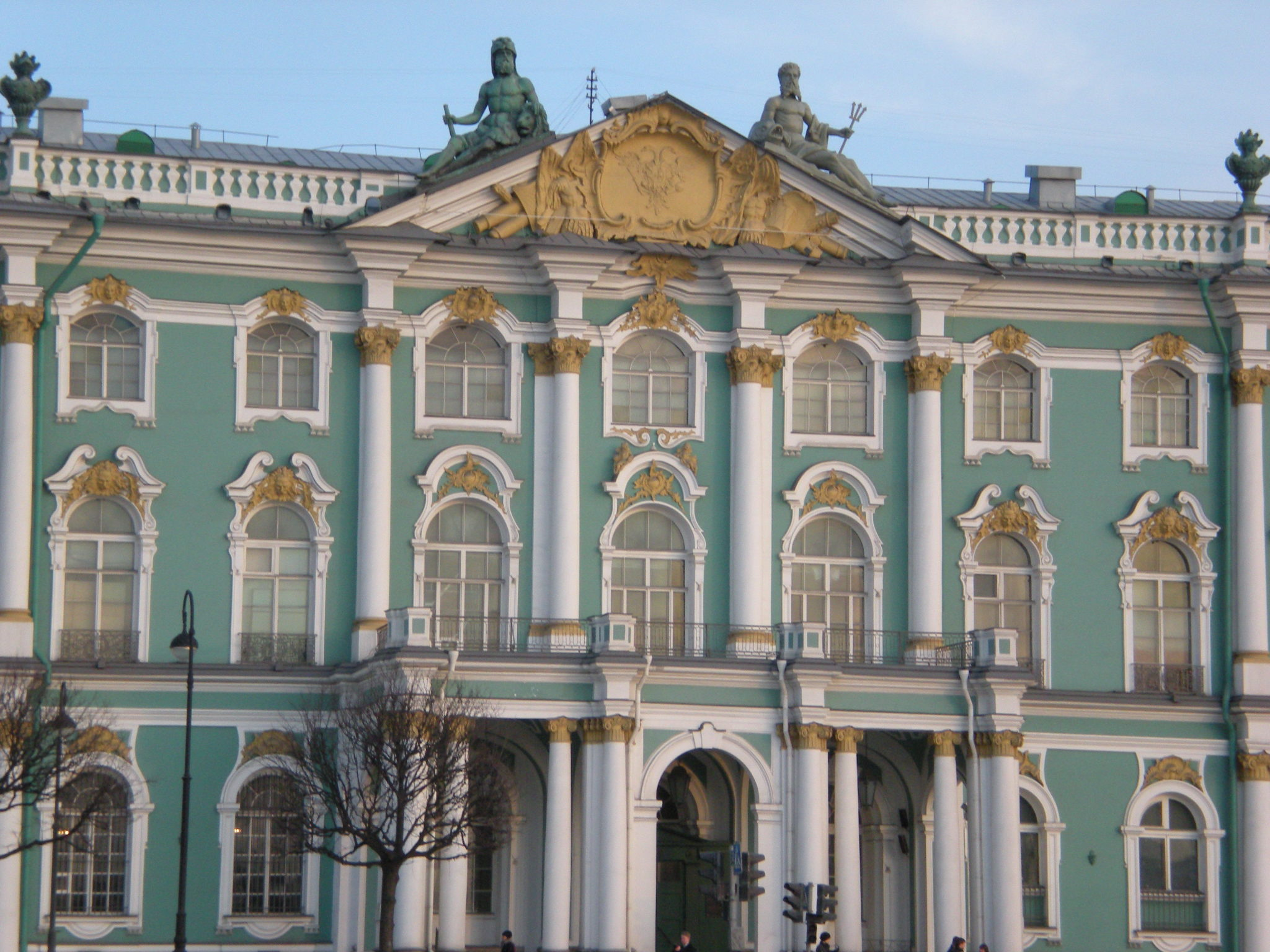 Winter_Palace_-_Hermitage,_St-_Petersbur