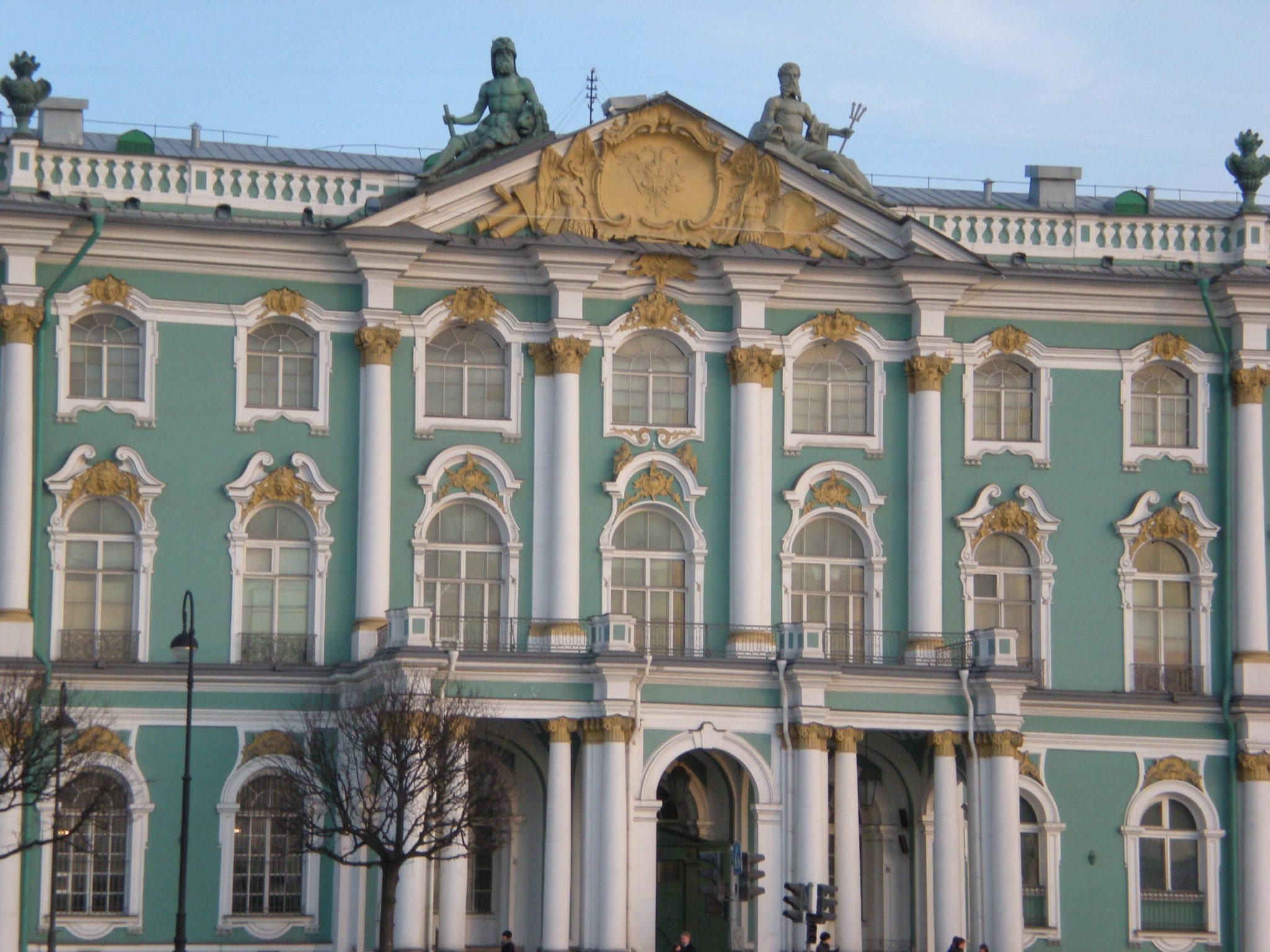 Winter_Palace_-_Hermitage,_St-_Petersbur