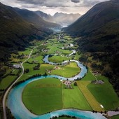 ⛰️ Who wants to fly over this  beautiful valley just like an eagle ? 🦅 Tag a friend! (📸: @viktor.asztalos.photography 📍#Stryn, #Norway🇳🇴 ) . . . #norwaytravel #norwaynature #norway2day #norway_photolovers #lesfrançaisvoyagent #lesfrancaisvoyagent #voyageursdumonde #voyageur #voyageurdumonde #voyages #voyages #viaggiare #viaggiaresempre #mochileiros #mochileiro #europetravel #europetrip #naturephotographer #greenlife #landscape_lover #europetravel #europa #tourdumonde