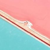 The aptly named Pink Lake, Australia (📸 : @mayhem85) 🌎✈️ #exitstamp  . . . #australie #australia_shotz  #australiagram  #australiaday  #australiatrip  #australia_oz  #nature_shooters #naturephotography #cityscape #loves_landscape #traveladdict #travelphotography #postcardsfromtheworld #pinklake  #lakeview  #australiagram_nsw  #bbctravel  #cntraveler  #natureshot  #exploretheglobe #outdoorphotography
